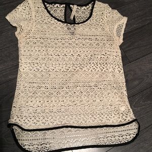 Paper Crane Lace Short Sleeve Too